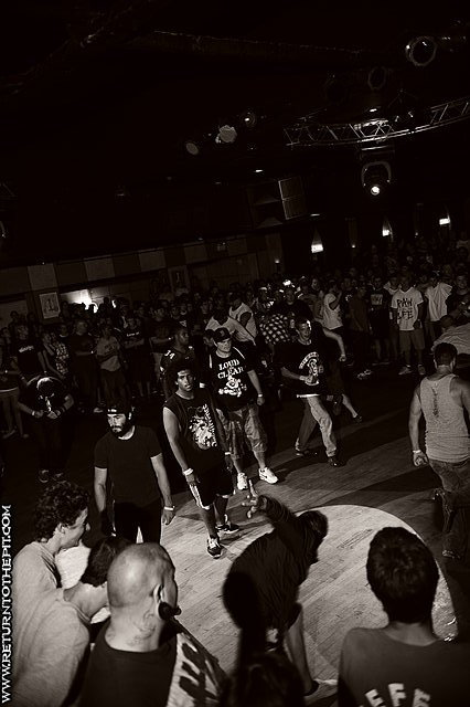 PHOTOS The Great American Hardcore Fest Day Three photo 15. Share on Tumblr
