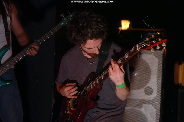 [red right hand on Nov 20, 2005 at Club 125 - main stage(Bradford, Ma)]